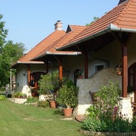 Blasius apartmanház - Vonyarcvashegy - udvar