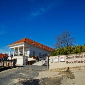 sb20150131zenit_hotel_balatondsc_2219gr_exact726w