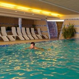 Vonyarcvashegy - Zenit Hotel - medence